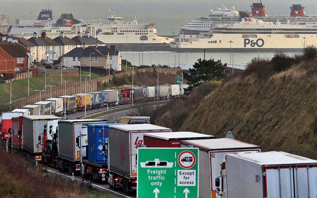 ¿Colapsos por la descoordinación en las aduanas tras el Brexit?