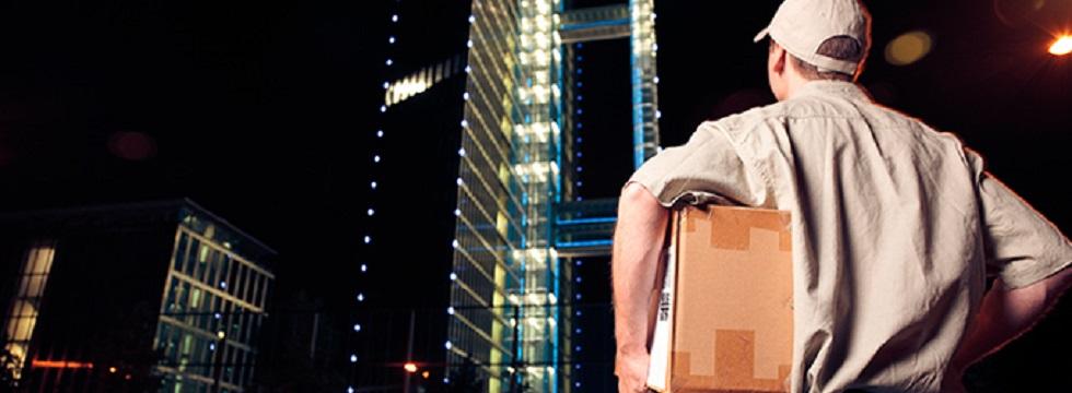 ¿Te has planteado hacer entregas nocturnas para tus envíos de ecommerce?