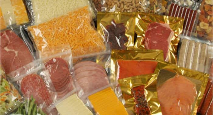 ¿Se puede mandar comida por Correos o una paquetería?