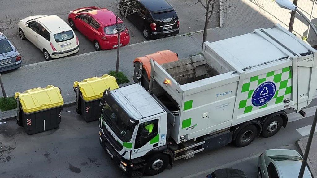 Los camiones de recogida de basuras, obligados a tener tacógrafo