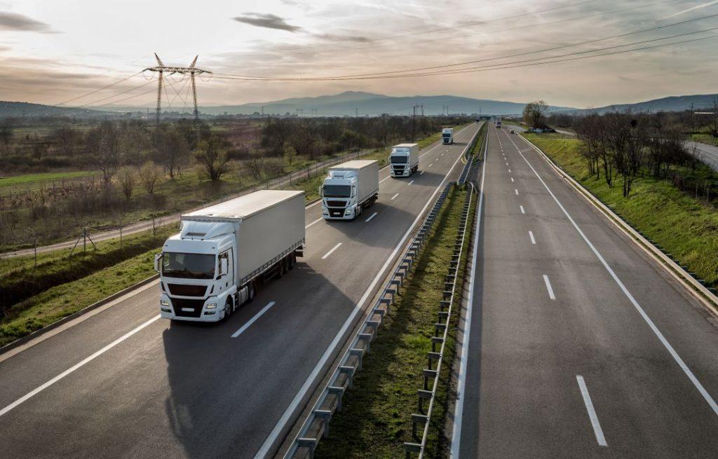 La forma de ser sostenible el transporte terrestre es NO haciendo kms en vacío