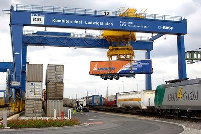 Diferencias entre el transporte intermodal y el transporte multimodal