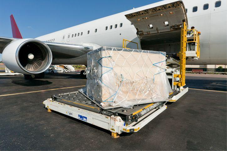 Y ahora le toca al transporte aéreo: los precios también suben